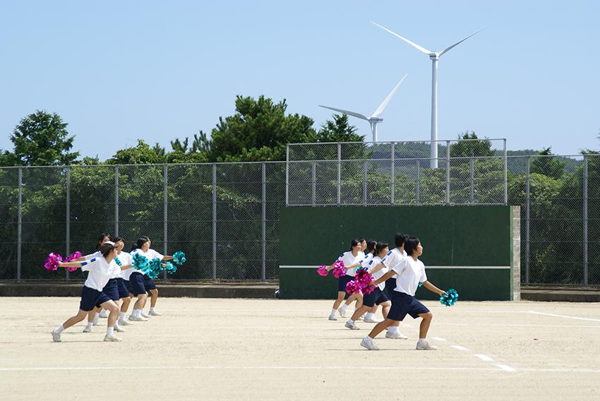 ⑪:エコロジーグラウンド整備ロボ『風車』たち 松島 雄大 撮影場所:長崎県平戸市 大島村