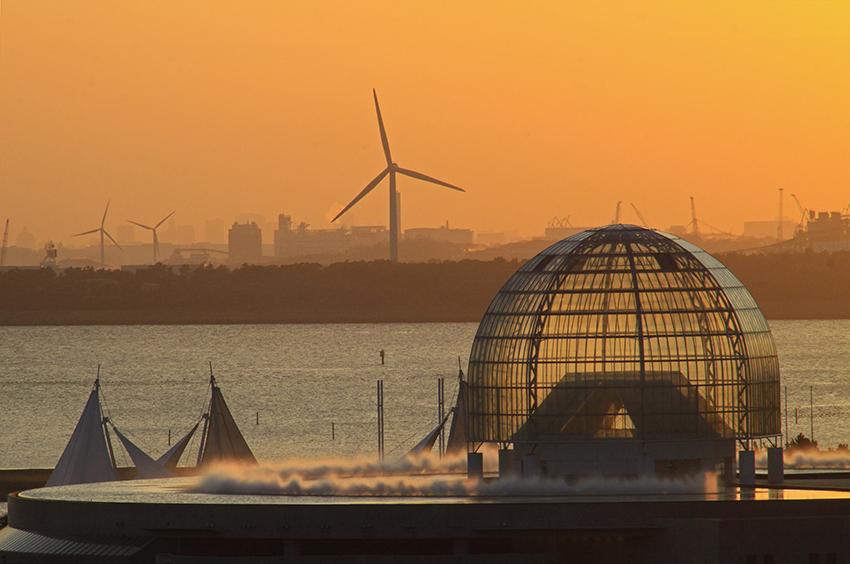 ⑫:夕日に染まり 多和 裕二 撮影場所:東京都江東区 若洲海浜公園