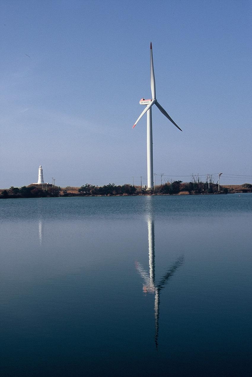 ⑩:水面に映る風車