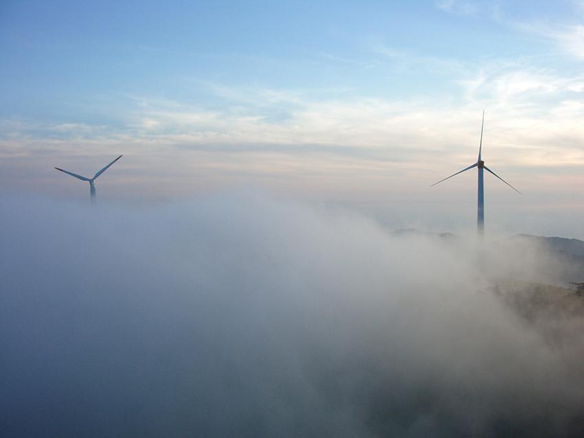 ④:雲と風車