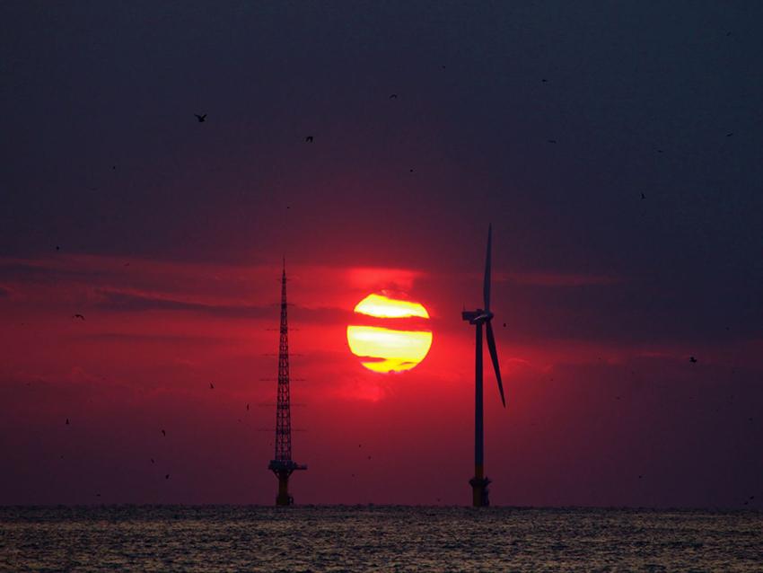 ⑤:海上の風力発電 横山 栄治 撮影場所:千葉県銚子沖