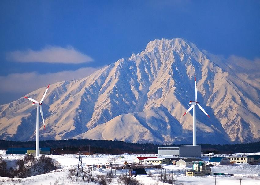 ⑤:利尻富士をバックに 山内 佳子 撮影場所:北海道稚内市