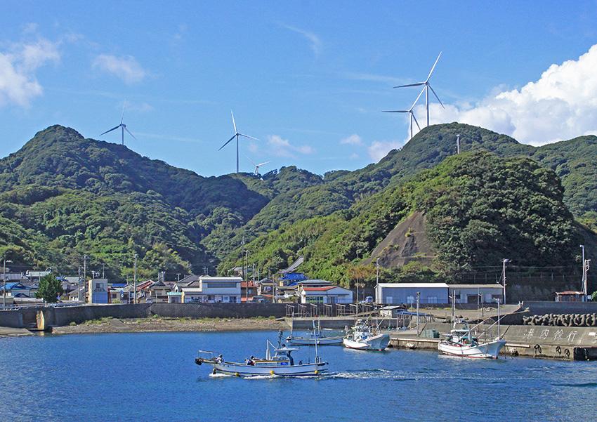 ③:風車の見える大瀬港 多和 裕二 撮影場所:静岡県賀茂郡南伊豆町